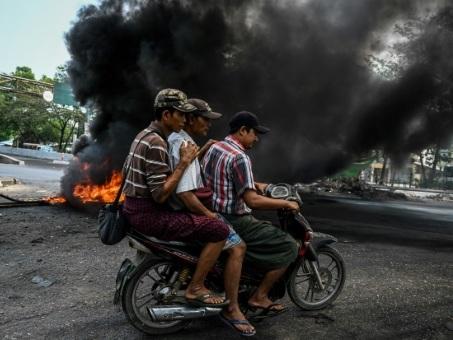 Birmanie: nouvelles accusations de corruption contre Suu Kyi, plusieurs villes en proie aux violences