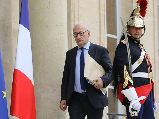 La France rappelle ses ambassadeurs à Washington et Canberra