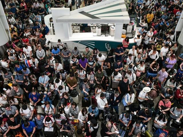 Hong Kong: liaisons avec l'aéroport réduites pour contrer une action des manifestants