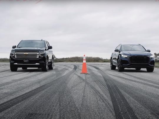 Regardez l'Audi RS Q8 humilier les SUV américains