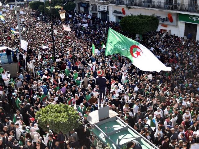 """Algérie : """"Paris sait que le statu quo peut être source de chaos"""""""