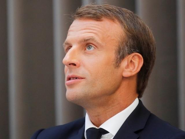 """""""Je suis dans la vallée de la mort"""" : dans le """"Time"""", le roman de Macron"""