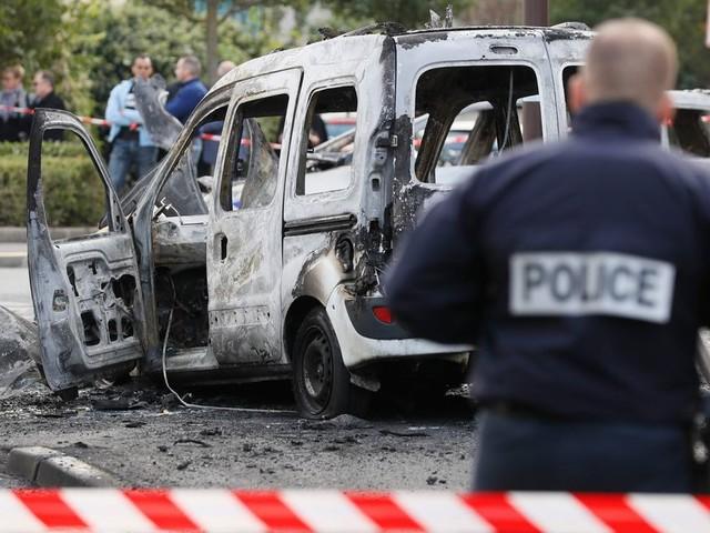 Policiers brûlés à Viry-Châtillon : le parquet fait appel après les 8condamnations et 5acquittements