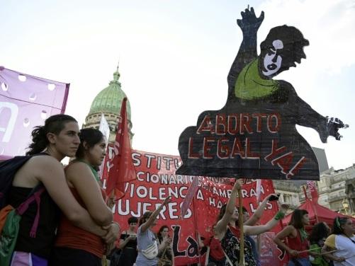 Argentine: le débat sur l'IVG repart de plus belle avant l'arrivée du nouveau président