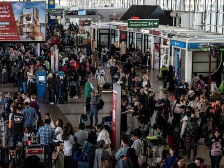 """A l'aéroport de Santiago, """"la sécurité vaut plus que tout"""""""