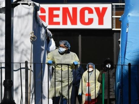 Coronavirus: la pandémie déferle sur les Etats-Unis, Xi Jinping appelle à l'union
