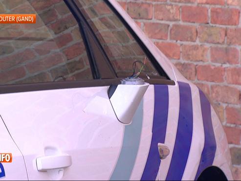 Course-poursuite sur la E40: soudainement, la police se rend compte que des enfants se trouvent dans le véhicule (vidéo)