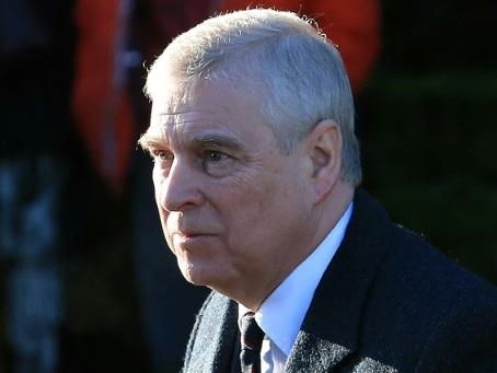 """""""Aucune coopération"""" du prince Andrew dans l'enquête sur le financier Epstein"""