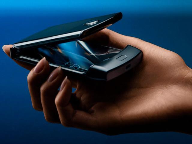 Motorola est contraint de repousser la sortie de son smartphone pliable Razr