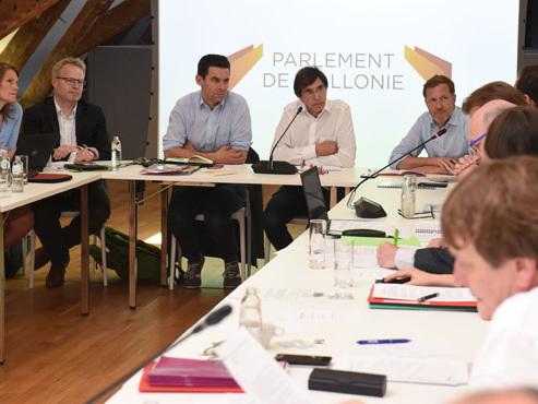 Formation d'un gouvernement wallon: quel bilan tirer de la rencontre entre le duo PS-Ecolo et la société civile?