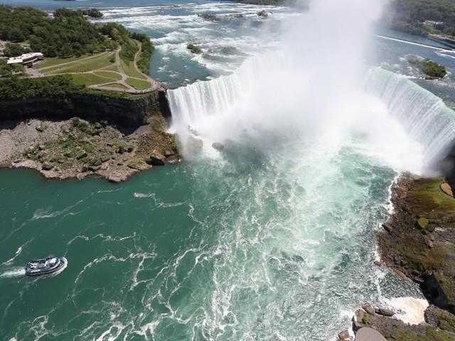 Il meurt en sautant dans les chutes du Niagara, après une tentative réussie en 2003