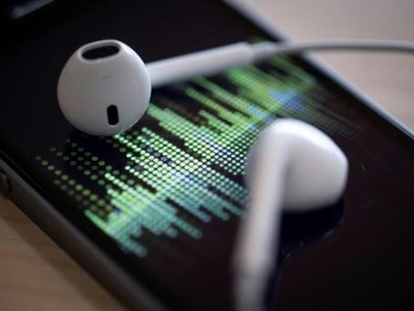 """Près d'un Français sur 10 est adepte des """"podcasts natifs"""""""