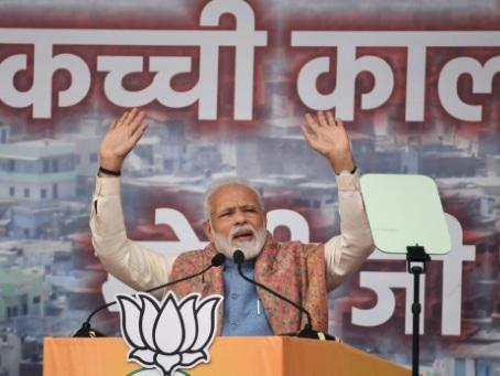 """Inde : Modi assure que les musulmans nés en Inde """"n'ont pas à s'inquiéter"""""""