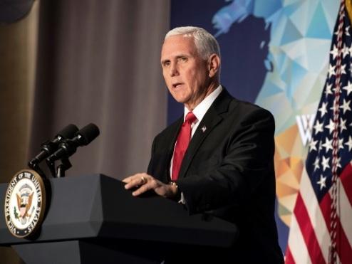 """Mike Pence accuse la NBA de se comporter comme une """"filiale"""" de Pékin"""