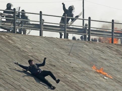 Irak: un manifestant tué, les jeunes maintiennent la pression sur le pouvoir