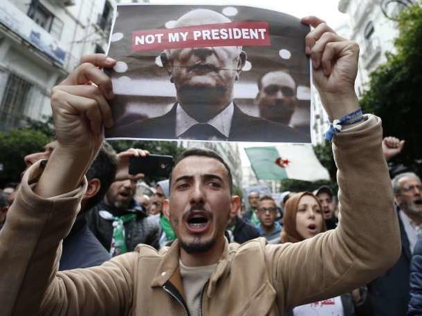 Fraîchement élu, le président algérien Abdelmadjid Tebboune déjà face à la contestation