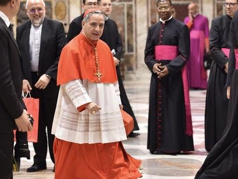 Que cache la démission du Cardinal Becciu au Vatican ?