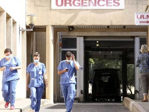 Coronavirus : Le nombre de malades et le taux de positivité encore en baisse