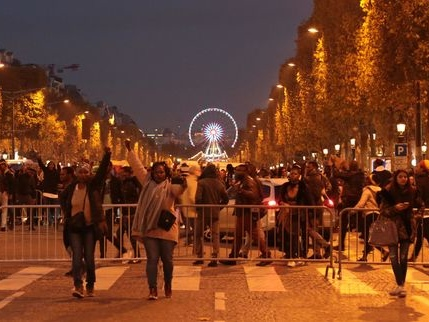 Un millier de personnes manifestent à Paris contre l'esclavage en Libye