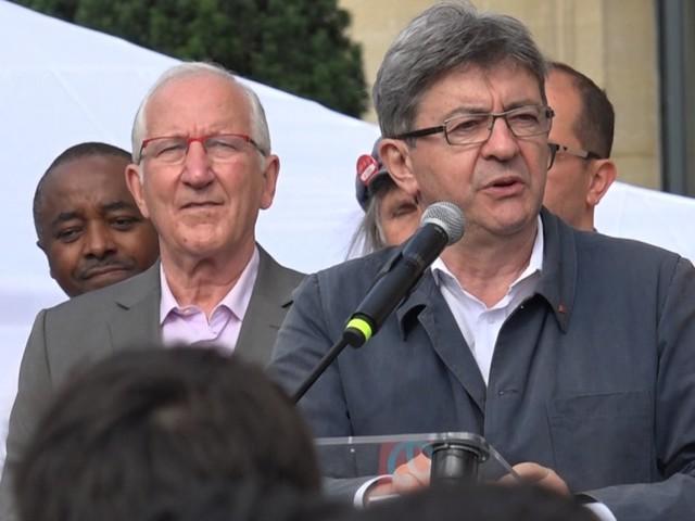 """""""On s'en prend à mes morts"""": à quoi fait référence Jean-Luc Mélenchon?"""