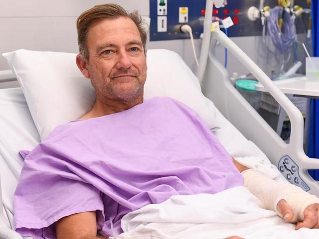 Neil, un randonneur australien de 54 ans, rampe deux jours avec une jambe brisée: il a fait une chute de 6 mètres depuis le haut d'une cascade!