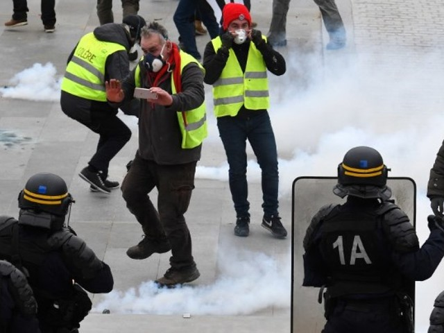 """Des experts de l'ONU dénoncent la restriction """"disproportionnée"""" du droit de manifester en France"""