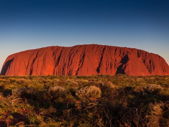 Australie:l'ascension d'Uluru interdite dès 2019