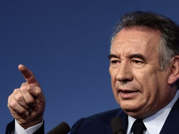 """EN DIRECT - François Bayrou sur LCI : Il faut """"un nouveau rapport entre le pouvoir et le pays"""""""
