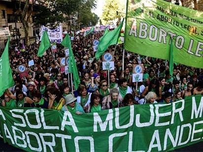 Argentine. Le refus du Sénat et la force de la mobilisation pour conquérir le droit à l'IVG