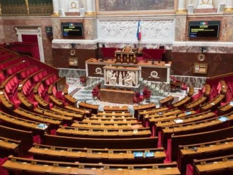 La dotation logement des députés va passer de 900 à 1.200 euros