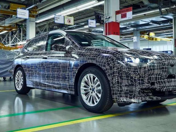 BMW iNEXT (2021) : les secrets des prototypes