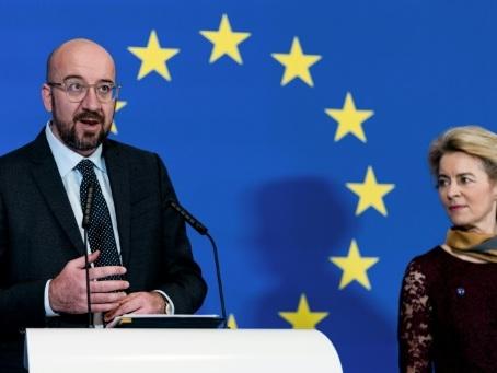 Brexit: signature de l'accord à Bruxelles avant sa ratification par le Parlement européen