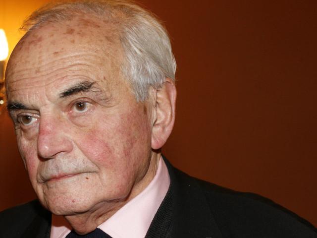 Une pétition d'écrivains pour l'inhumation de Michel Déon à Paris
