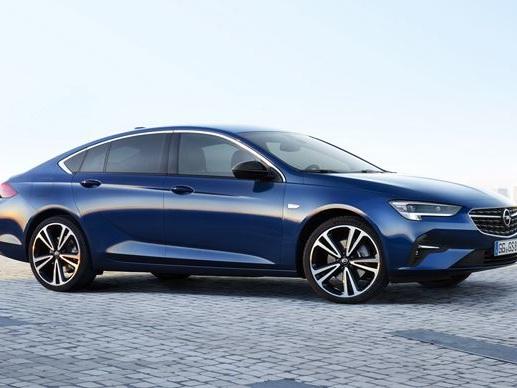 L'Opel Insignia Grand Sport s'offre une face avant plus sportive