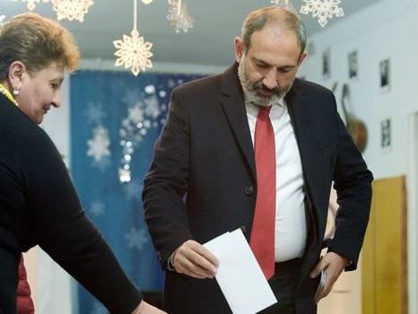 Législatives en Arménie : le Premier ministre en passe de remporter son pari