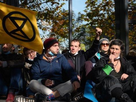Genève: le groupe Extinction Rebellion bloque unterminal réservé aux jets privés