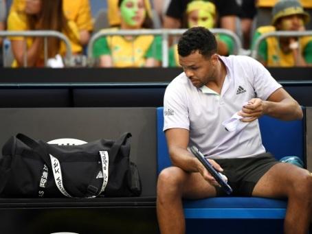 """Open d'Australie: """"Je n'ai pas envie que mon corps décide pour moi"""" la fin de carrière, déplore Tsonga"""