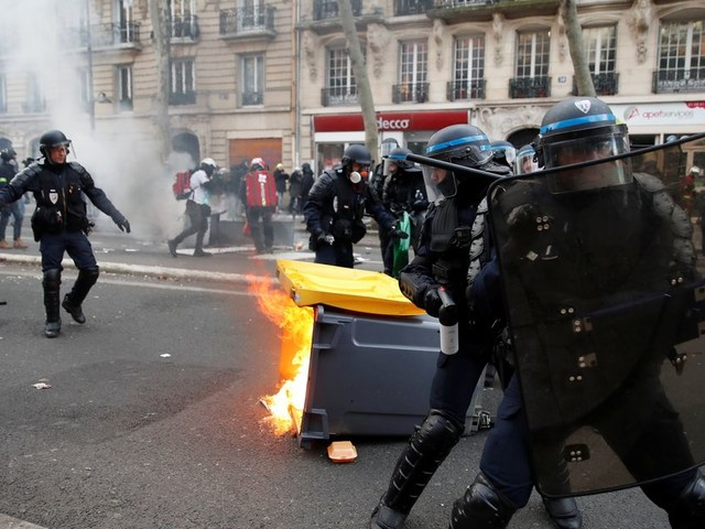 Manifestation contre la réforme des retraites: de premiers incidents à Paris