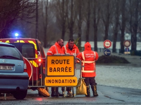 Intempéries: 11 départements en vigilance orange, un mort et un disparu dans le sud-ouest