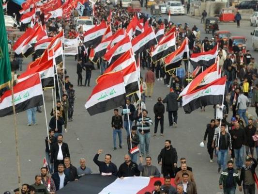 Irak: 12 manifestants tués à Bagdad, sanctions américaines contre des pro-Iran