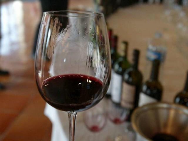 """Vin : professionnels et défenseurs de la filière vent debout contre le """"mois sans alcool"""""""