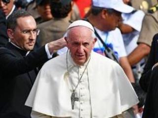 """Au Pérou, le pape appelle à lutter contre le fléau des """"féminicides"""""""