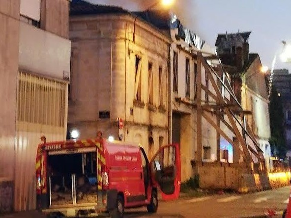 Bordeaux : un bâtiment squatté en feu près de la gare