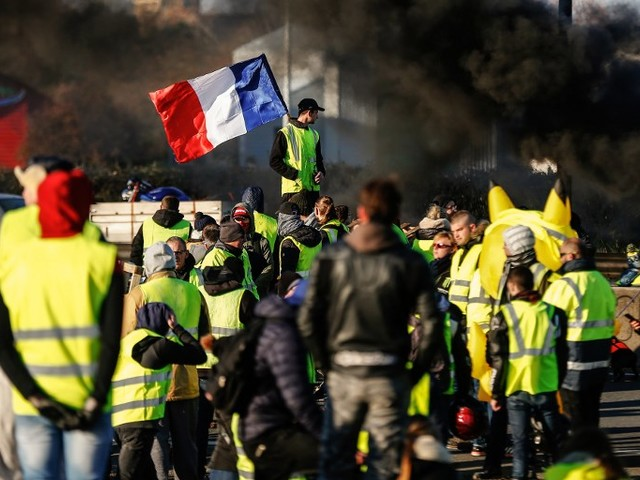 Gilets jaunes : le gouvernement ne bouge pas d'un iota après la mobilisation du 17 novembre