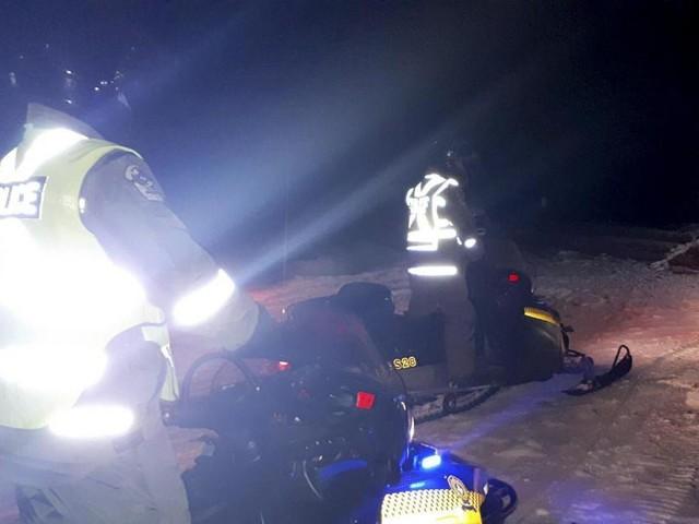 Une excursion en motoneige vire au drame au Québec: un Canadien mort, cinq Français disparus, un hélicoptère des secours s'est écrasé