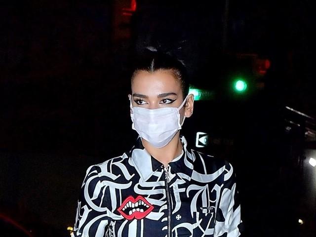 Dua Lipa, sa soirée polémique au strip-club : elle réagit et se défend