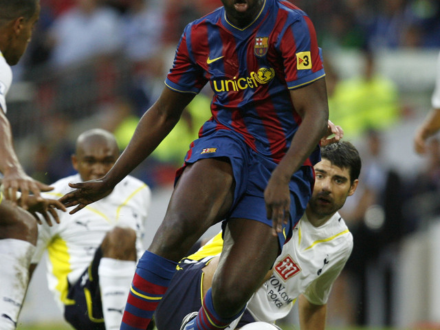 """Racisme dans le foot: la Fifa """"s'en fiche"""", accuse Yaya Touré"""