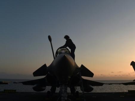 Europe de la défense: entre Paris et Berlin, des ambitions et de la méfiance