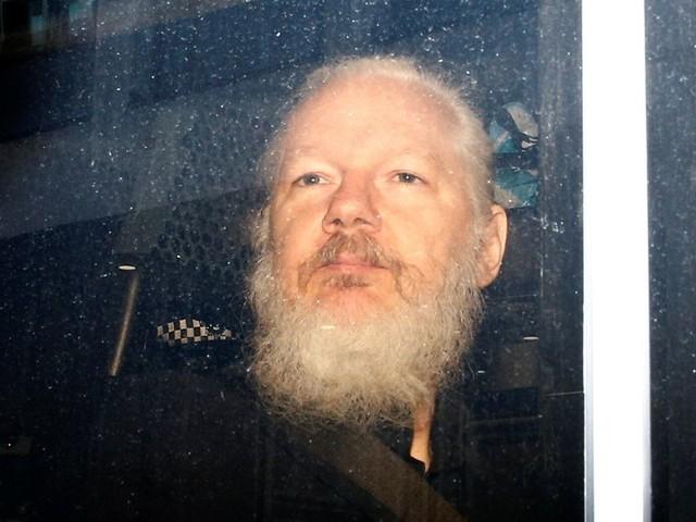 Ce qui attend Julian Assange après l'abandon des poursuites de la Suède