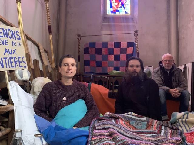 Le ministère de l'Intérieur envoie un médiateur à Calais où trois militants sont en grève de la faim en soutien aux migrants